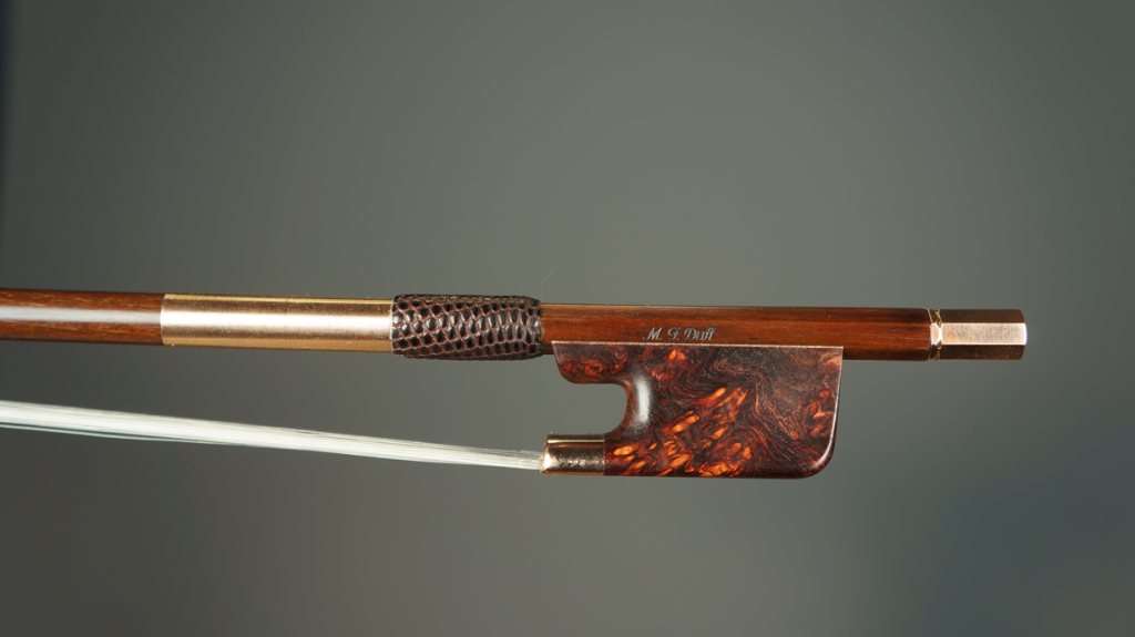AD16 Berg Bows Cello-bow-Stabilized-Burled-Rosewood-Frog,-Gold-Mounted