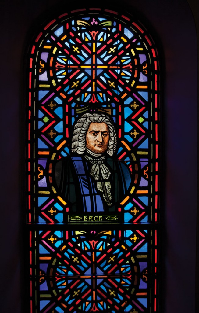 window-of-Bach-at-St.-Pauls-United-Church-of-Christ-(UCC)-in-Chicago-3203-credit-Lisa-Marie-Mazzucco