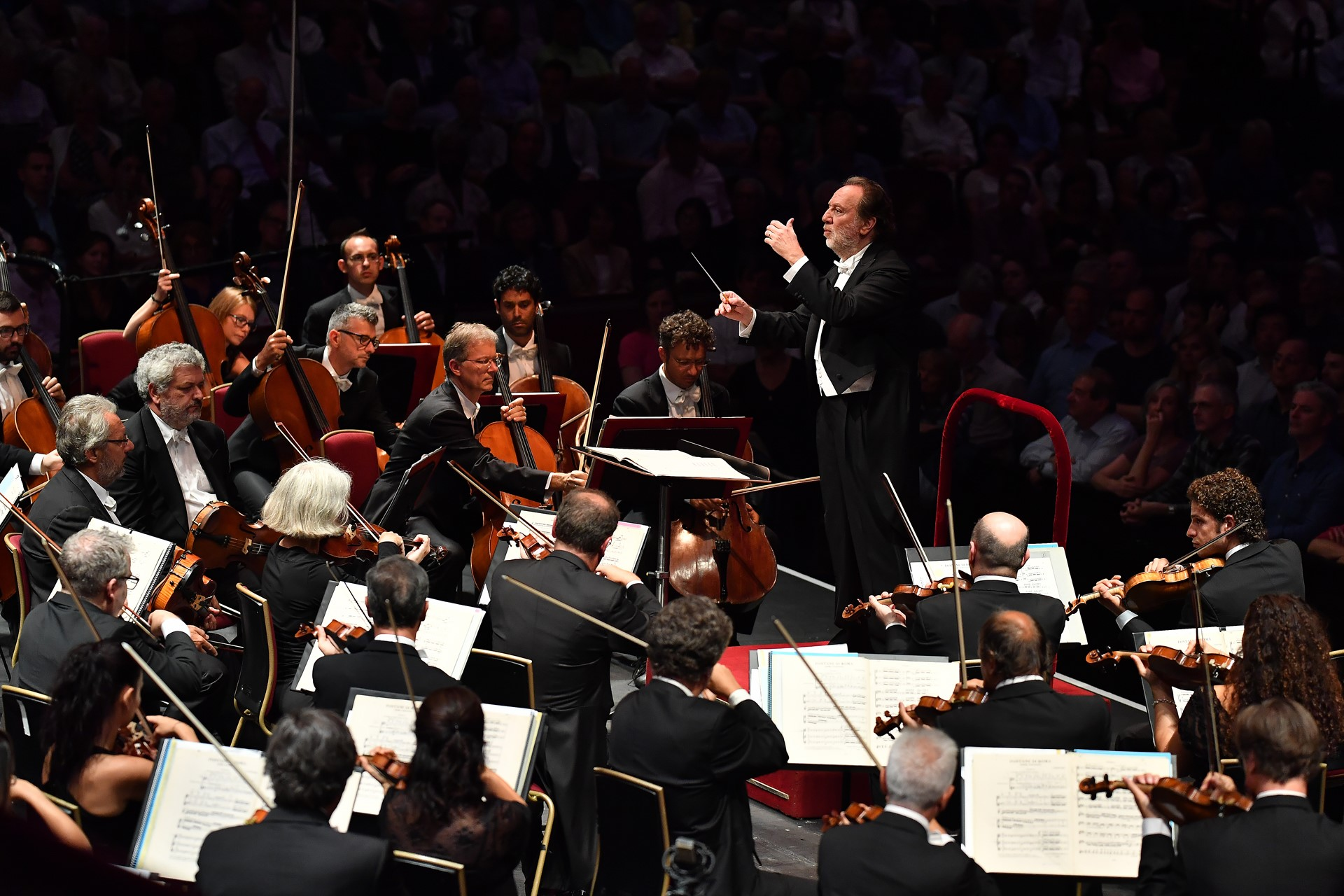 Riccardo Chailly conducts the Filarmonica della Scala in Respighi's Fountains of Rome and Pines of Rome, at the BBC Proms 2017 at the Royal Albert Hall. Photo: BBC/Chris Christodoulou