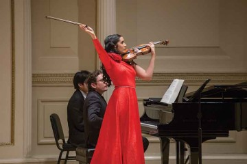 Aisha Syed's violin debut at Carnegie Hall included compositions by Manuel de Falla arranged by Fritz Kreisler, Bach, Ravel, Sarasate, and Franckl