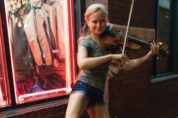 Fiddler Hillary Klug offers advice on busking in Nashville