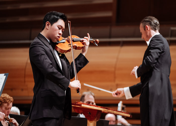 Violinist Hao Zhou Wins First Prize at the 2019 Concours