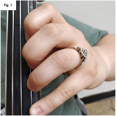 avoid collapsing third and fourth finger on cello fig 1